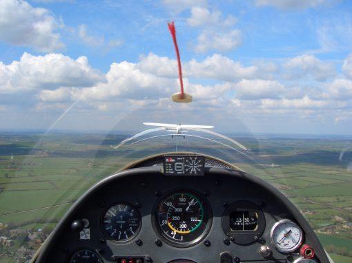 Gliding Aerotow 2000ft